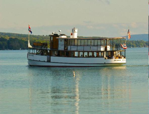 Take Boat Tour of Skaneateles Lake